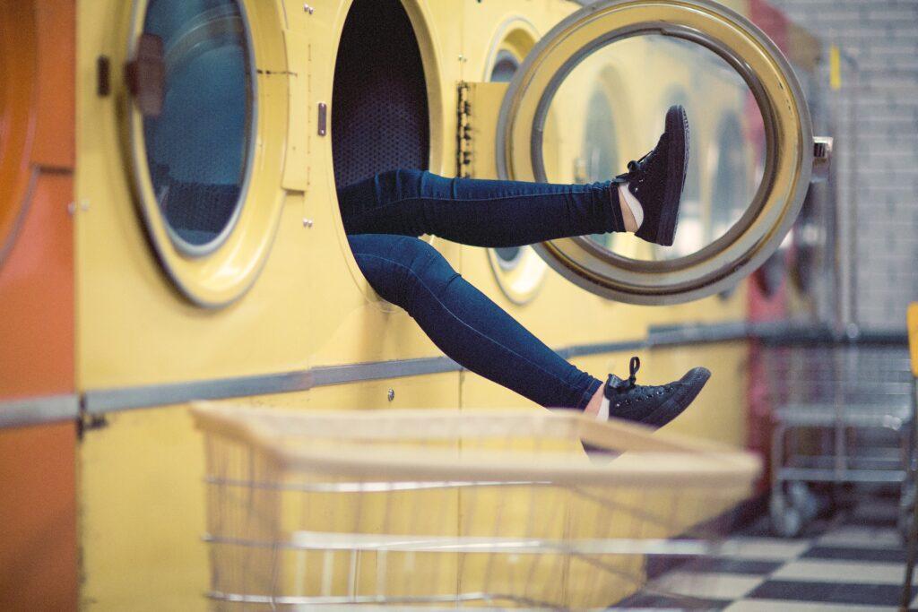 Guida simboli del lavaggio 1024x683 - Simboli del lavaggio: come interpretarli ed evitare di commettere errori