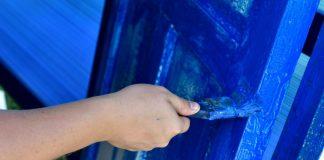 verniciatura delle porte in legno