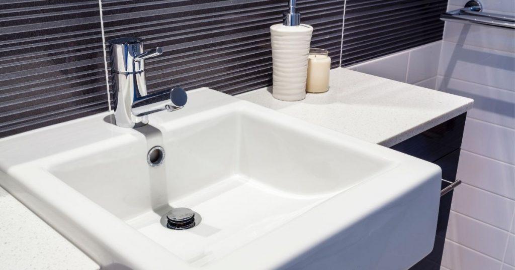 modelli di lavabo per il bagno a semincasso