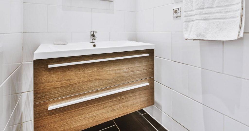 modelli di lavabo per il bagno sospesi